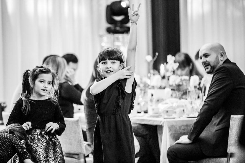 Botez Elena Magdalena - Biserica Izvorul Tamaduirii Chiajna - Isoletta Bucuresti - Fotografie de Copii by Mihai Zaharia Photography